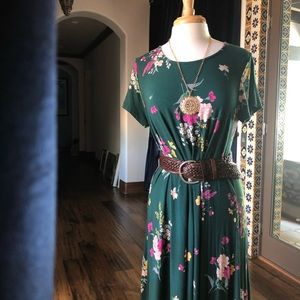 Green swoop neck midi dress with floral🌸🌼 and 🌿